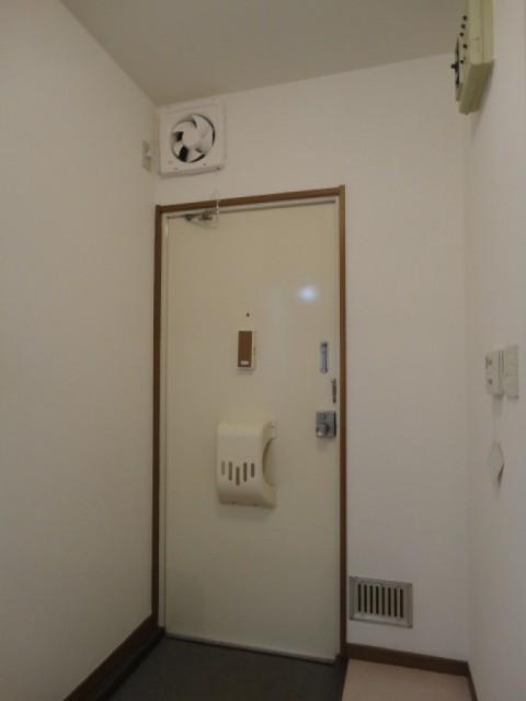 ※別部屋の写真を使用しています。(玄関)
