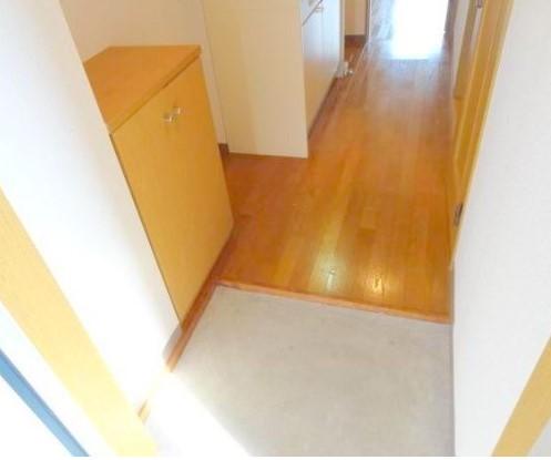 ※同タイプの別部屋写真(玄関)