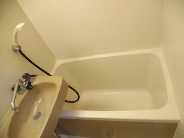※他部屋の画像を使用しています。(風呂)