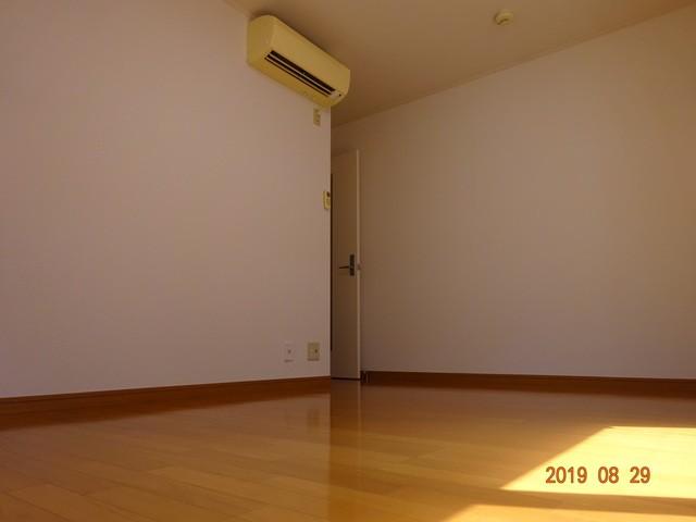 ※写真は別部屋の参考写真です。(居間)